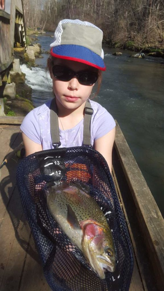 granddaughter_catch_fly_rod
